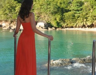 Ирина Шадрина в красном платье