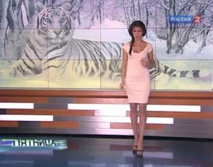 Анна Кастерова в платье в полный рост