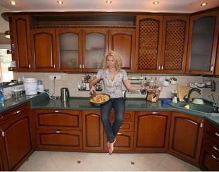 Екатерина Коновалова показала квартиру, дом