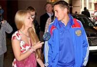 Катерина Кирильчева и Мария Командная с известными футболистами (фото)