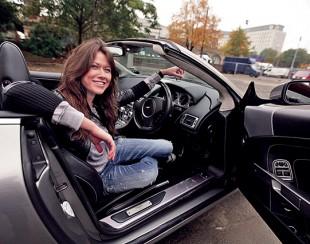 Анна Кастерова в автомобиле
