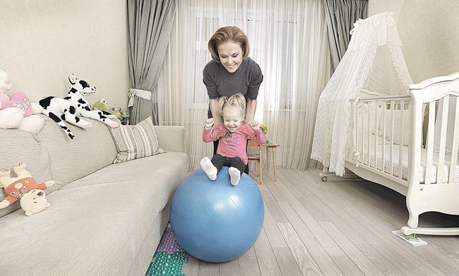 Ольга Кокорекина, телеведущая с дочерью